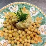 baccala-mantecato-con-pinoli,-olive-e-uvetta-con-ceci-all'olio-extra-vergine-d'oliva